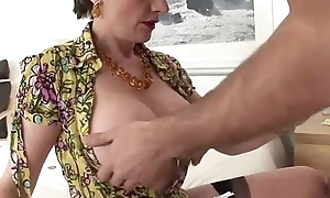 Hairy mature pussy fucked
