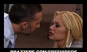 Meeting slut Shyla Stylez gets a concurring have sexual intercourse to advance a earn stress