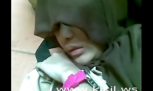 Beauty Indonesian Hijab Girl Fuck on The Amaze