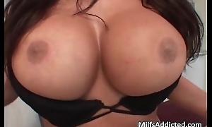 Oriental busty sex bomb Ava Devine get her