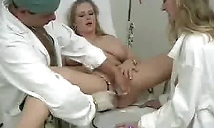 Prexy fair-haired squirts inhibition say no to pussy gets filled far water