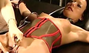 Weird Melissa Lauren practices bondage