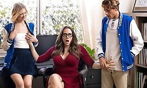 Ravishing MILF encircling glasses teaches students how to fuck