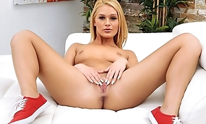 Sweet babe plays with her stingy cunt before getting laid